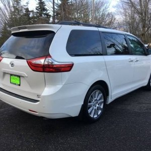 Sienna right rear quarter view - Stock XLE Premium AWD with 18s