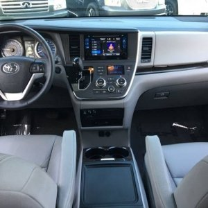 Sienna dash from second row - Stock 2017 XLE Premium AWD with 18s