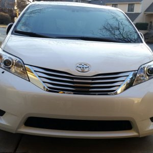 2014 Sienna Limited with Hella headlight washers.jpg